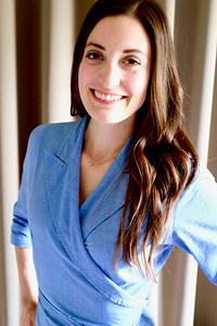 Isabel Storolis headshot