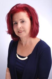 Patricia English headshot